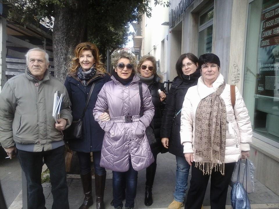 Il Comitato Punto Nascite di Ortona prima di partire per l'Aquila