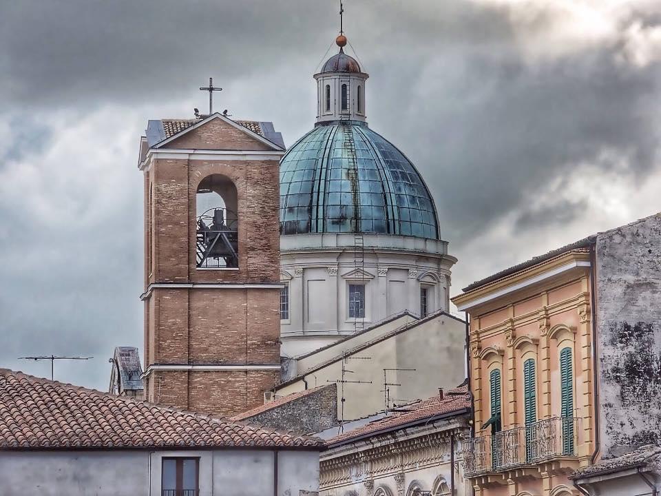 Foto di Valerio Politi: cupola e campanile della Basilica di San Tommaso Apostolo
