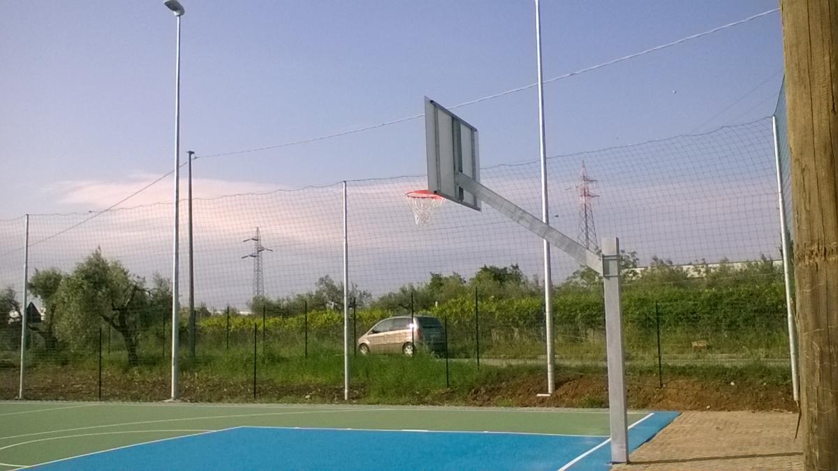 Il campo da pallacanestro della discordia verso l acquisizione
